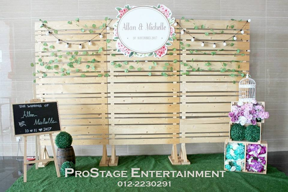 Rustic Themed Photobooth with tangles, mini blackboard and D.I.Y wood crates