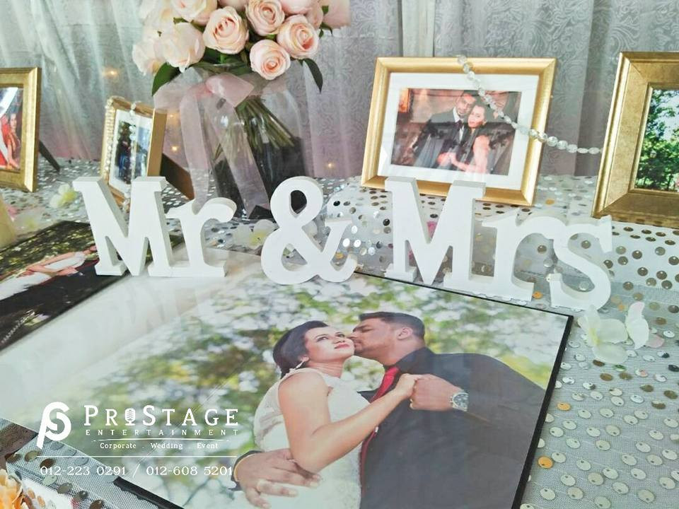 Photo Album Table~ with the Signature Keepsake Book