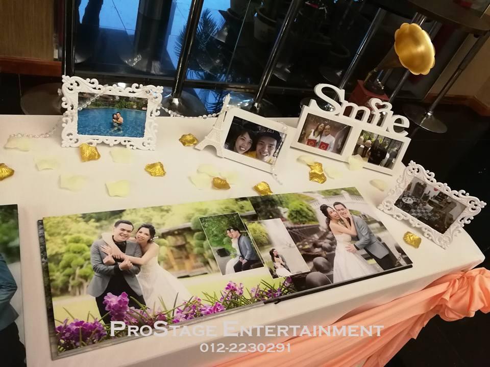 Photo album table closeup cont.~
