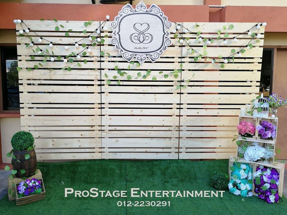 Rustic feel with garden settings photobooth