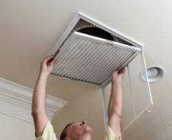 Ceiling mounted return air filter grille