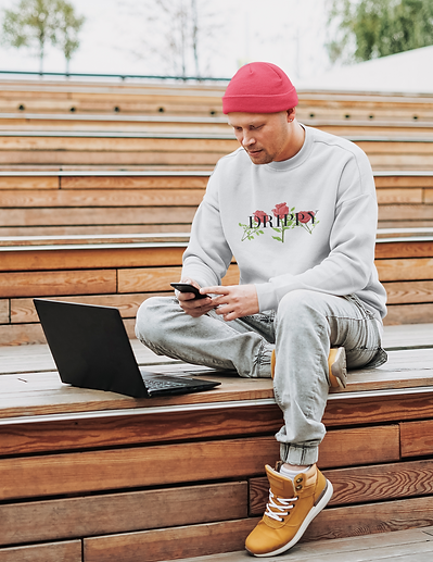 sweatshirt-mockup-of-a-man-working-outsi