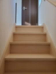 シェアハウス お洒落な階段