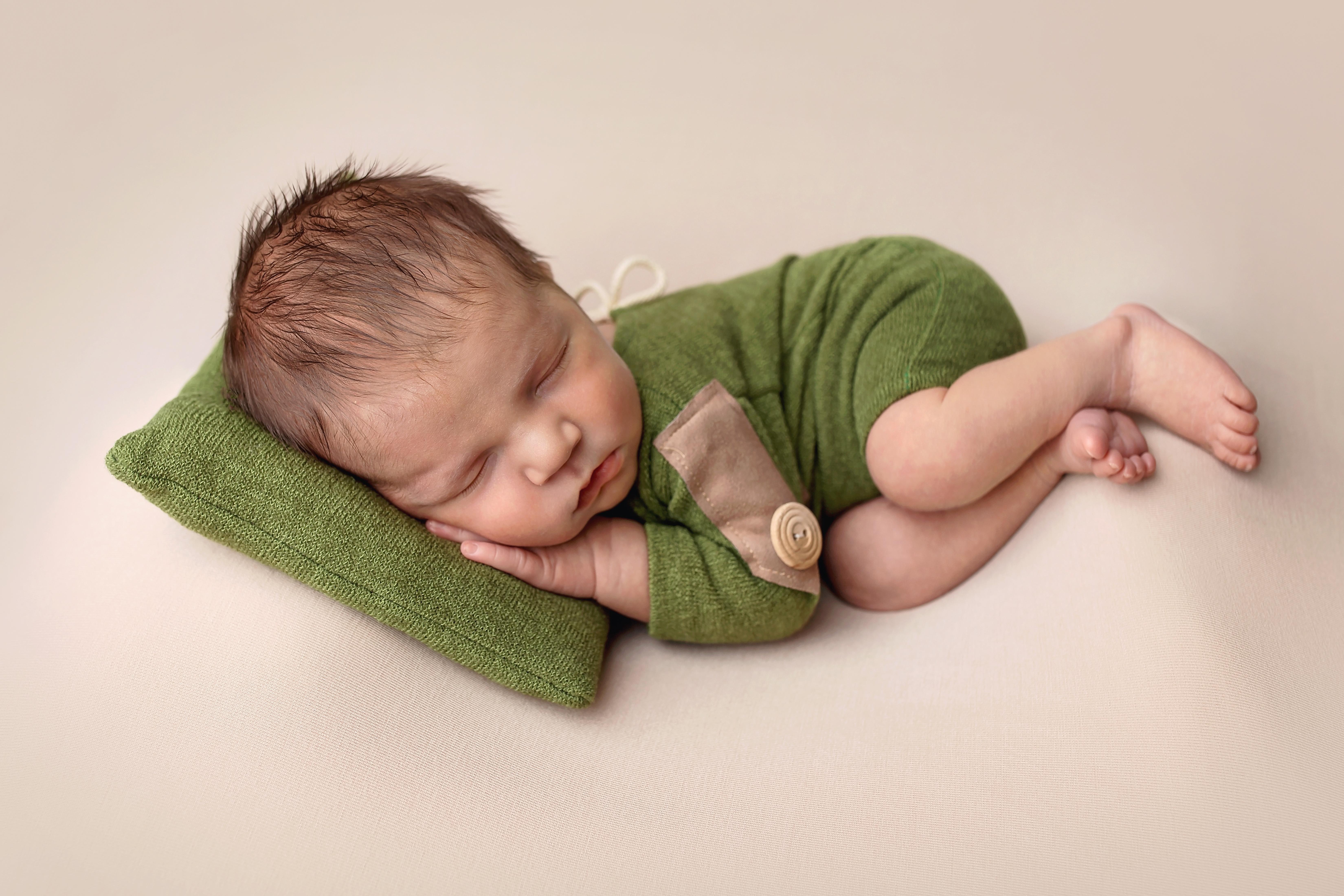posing babies Telford