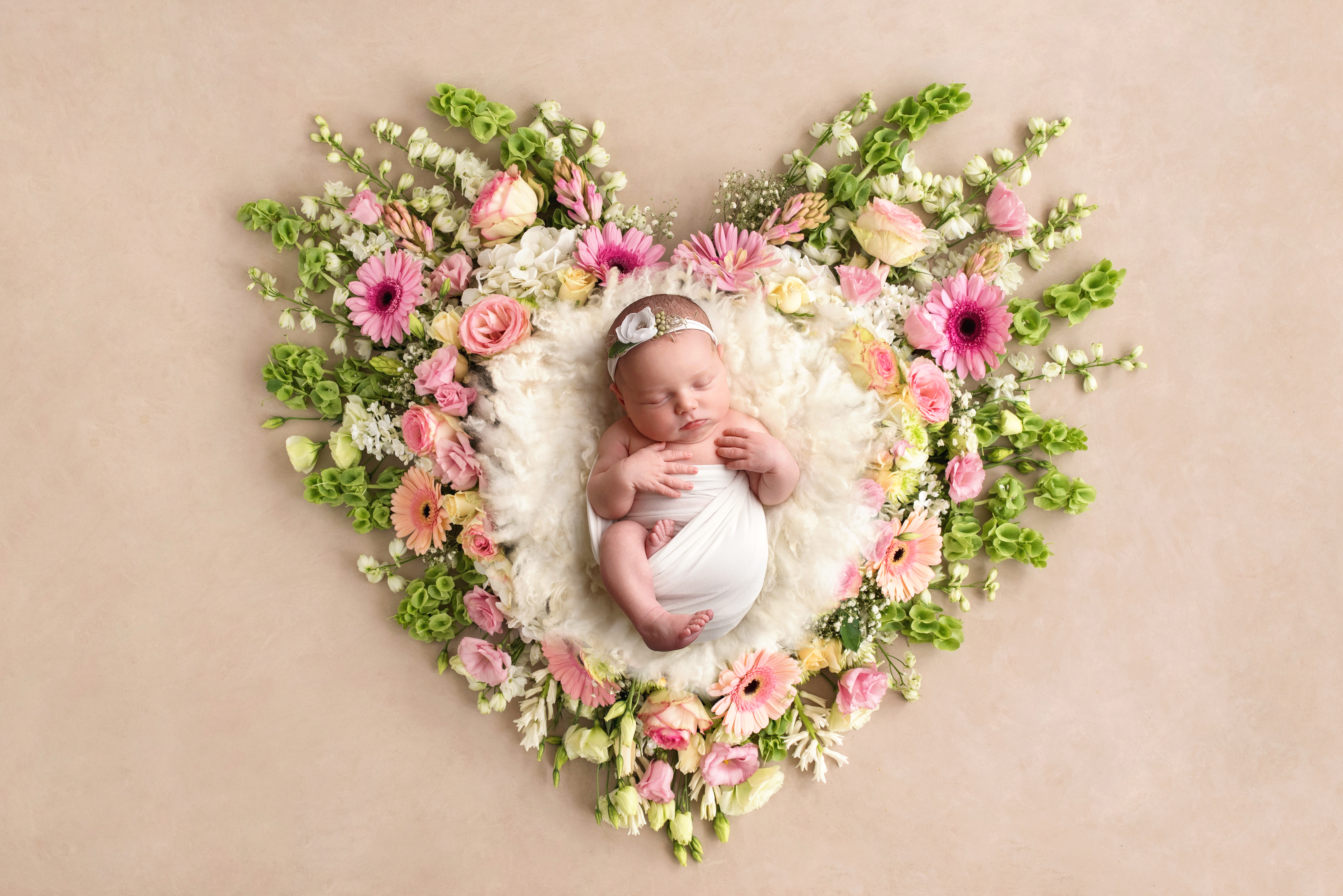 newborn baby girl pictures
