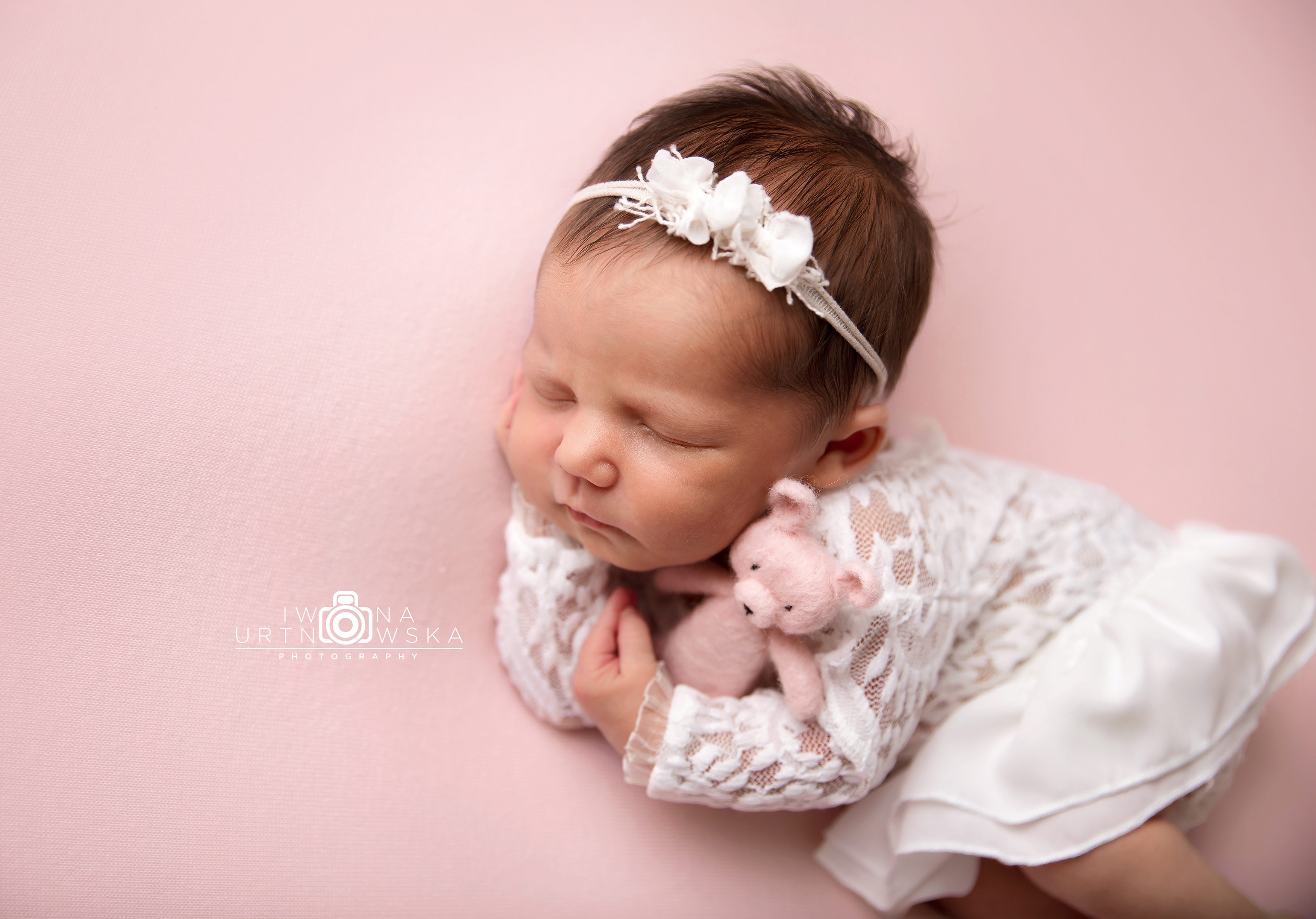 newborn baby girl photo session Telford