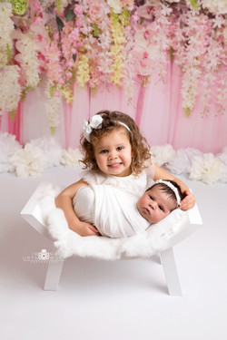 Sibling newborn photoshoot