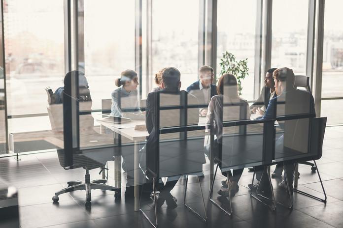 equipo-negocios-gerente-reunion.jpg
