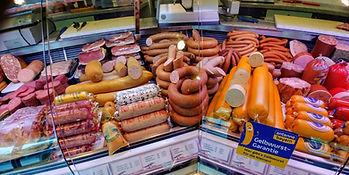 Metzgerei Eschenwecker Vilseck verkauft Wurst, Fleisch, Spezialitäten in eigener großer 70 m² Verkaufsfläche