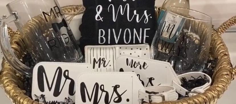 Mr. & Mrs. Gift box
