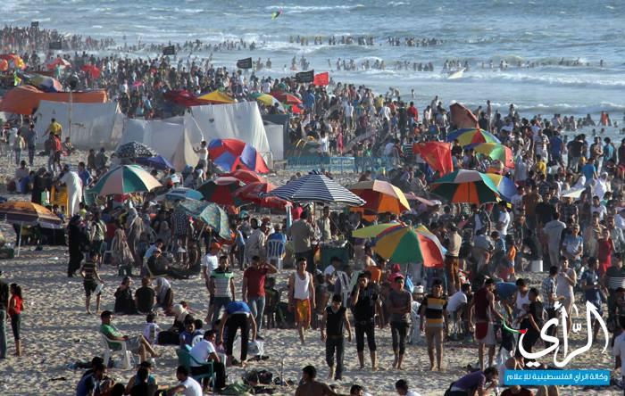 בימים חמים נראה כאילו כל עזה נוהרת לים