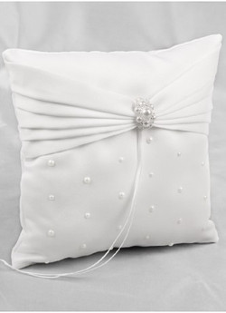 Charming Pearls Ring Pillow