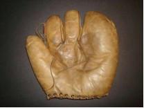 "Draypar Maynard ""Lutzke"" model glove"