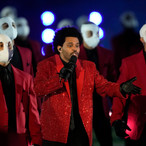 SUPERBOWL HALFTIME SHOW 2021: THE WEEKND ABSOLUTELY SMASHES IT