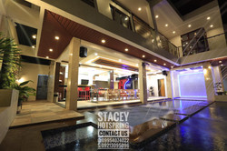 Stacey 28