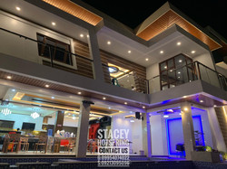 Stacey 40