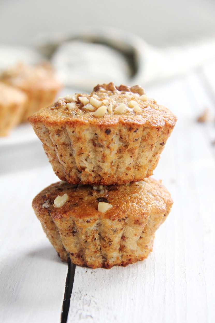 Banana muffins with chocolate chunks and walnuts recipe