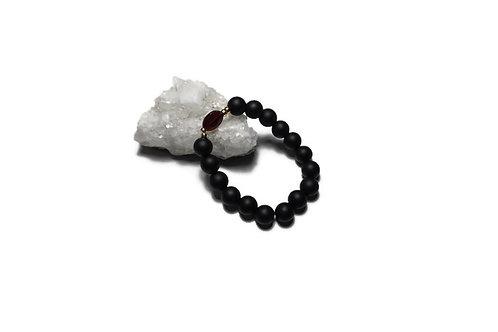 Black Onyx w/ Garnet Single