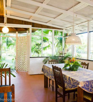 Almond cottage dining area.jpg