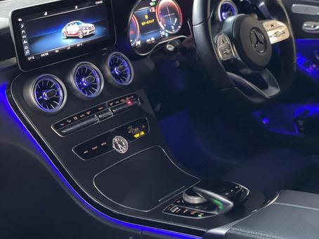 Mercedes W205Cアンビエントライト連動エアベント取付