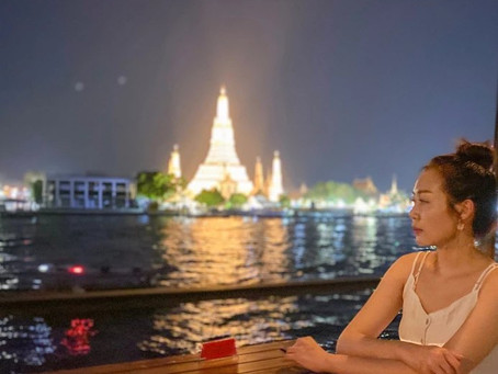Dining across the Chaophraya River from Temple of Dawn at Rongros
