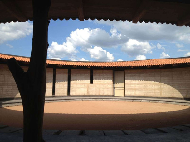 patio central seco.jpg