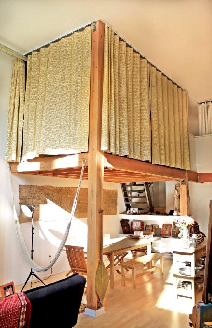 La loft floating treehouse office