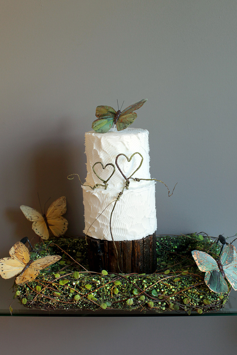 LOR Wedding Cake