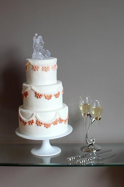 VIV Wedding Cake