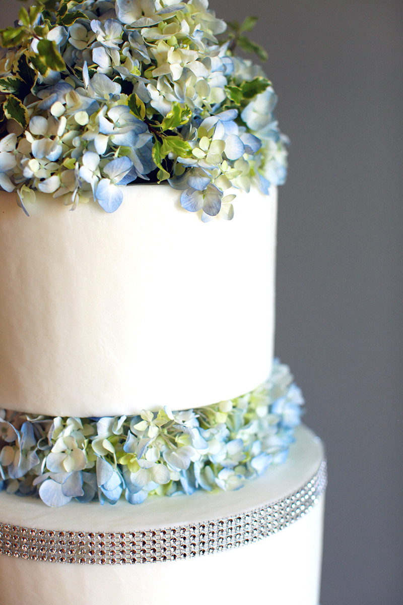 GLO Wedding Cake