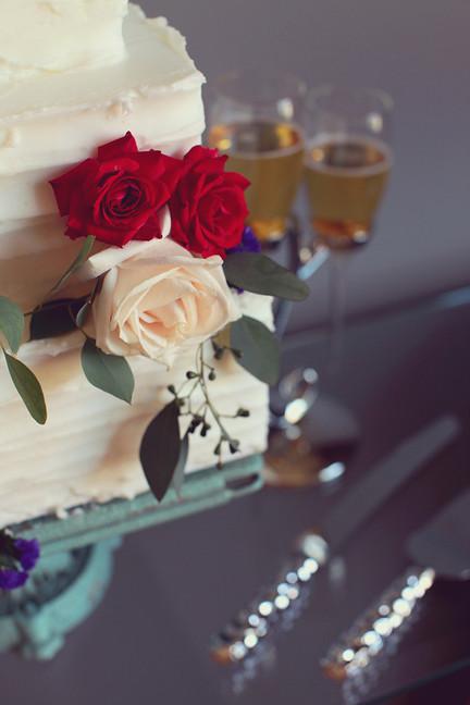 KIM Wedding Cake
