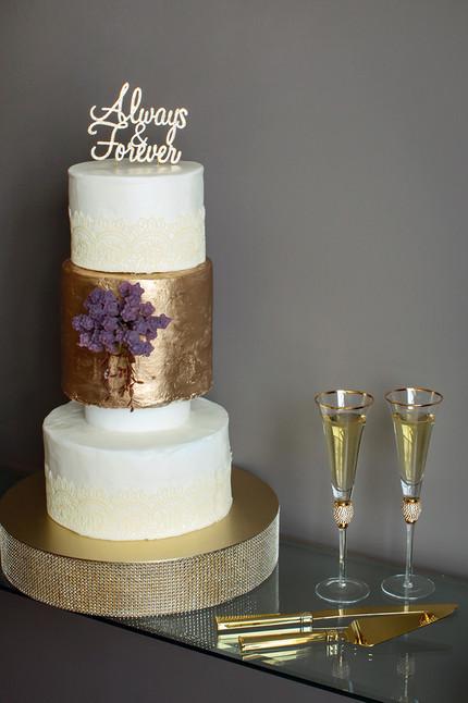 IDA Wedding Cake