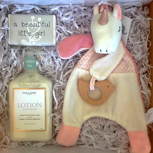 Gift hampers for baby girl Melbourne