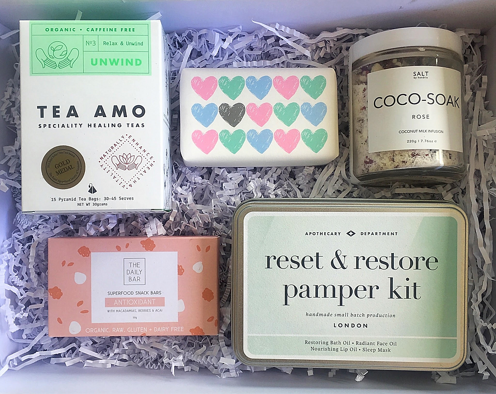 pampering gift box for her