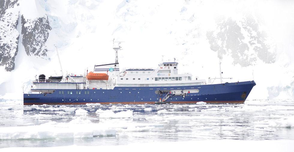 ship%2010_edited.jpg