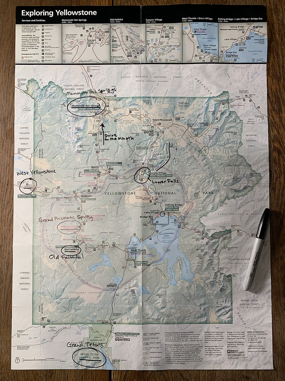 map, yellowstone, wyoming, mom, toddlers, road trip