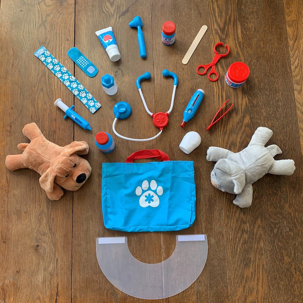 vet play, vet play set, play, toy, toddler, vet, kid, melissa, doug, melissa and doug