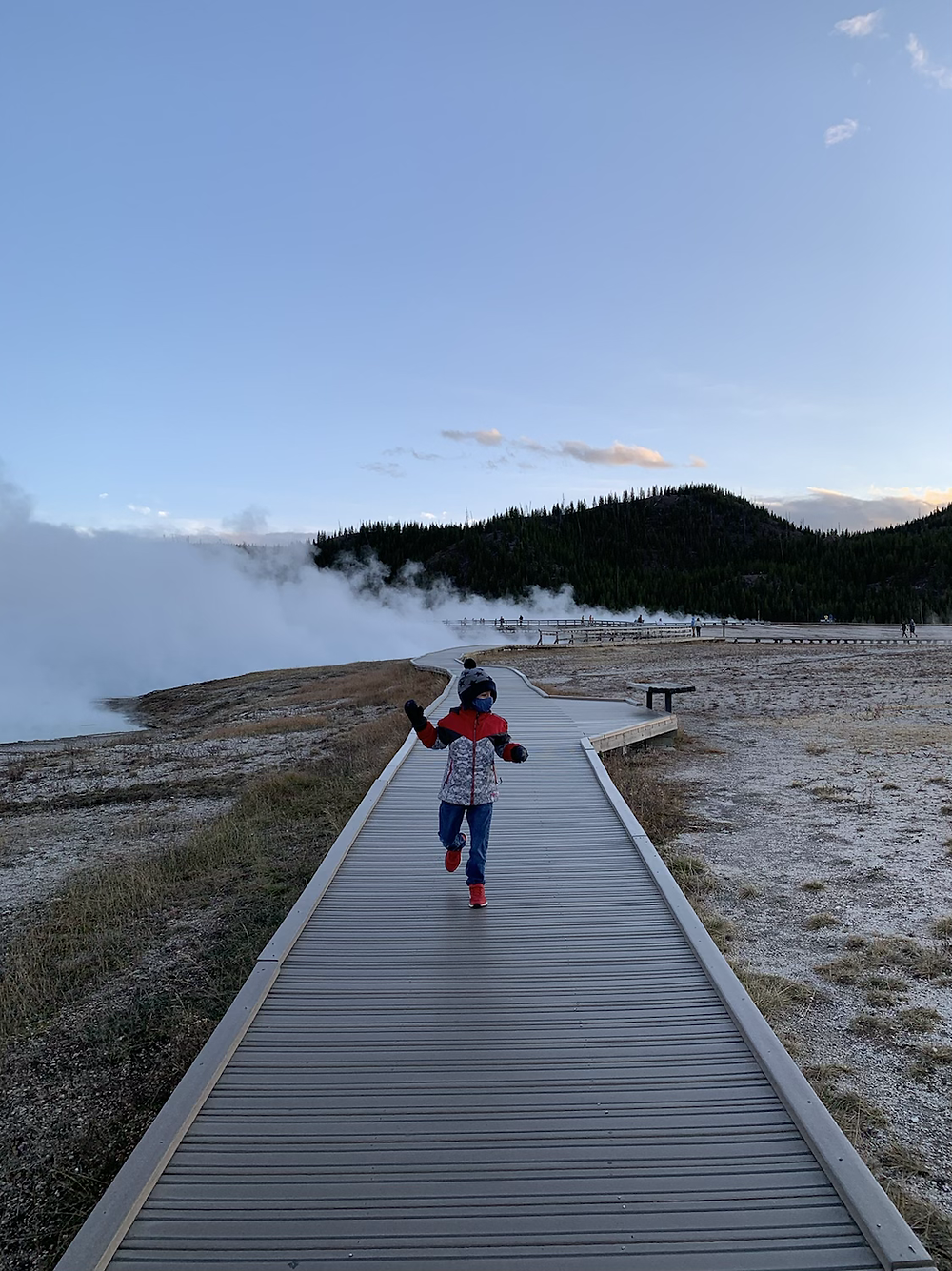Grand Prismatic Spring, Midway Geyser Basin, Yellowstone, mom, toddlers, road trip, wyoming