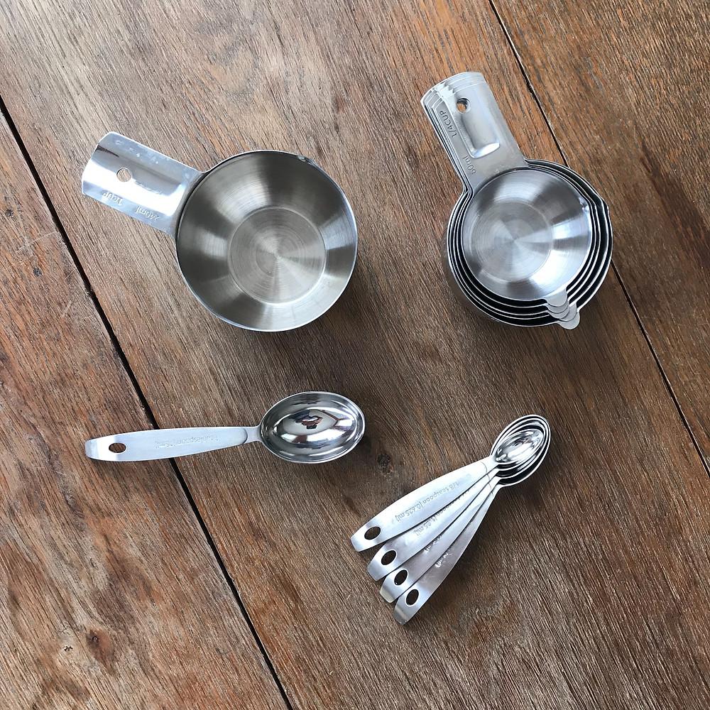 measuring cups, measuring spoons