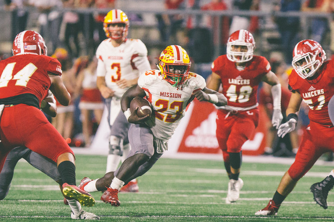 Mission Viejo Diablos Beat Orange Lutheran Lancers 37-35 in an elite match-up