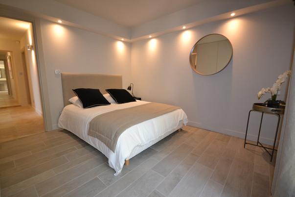 Chambre 4 (lit en 160) avec salle de bain et baie vitrée - Rez de chaussée