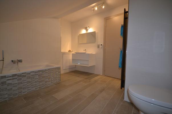 Salle de bain Suite Junior avec baignoire & douche à l'italienne - Toilettes