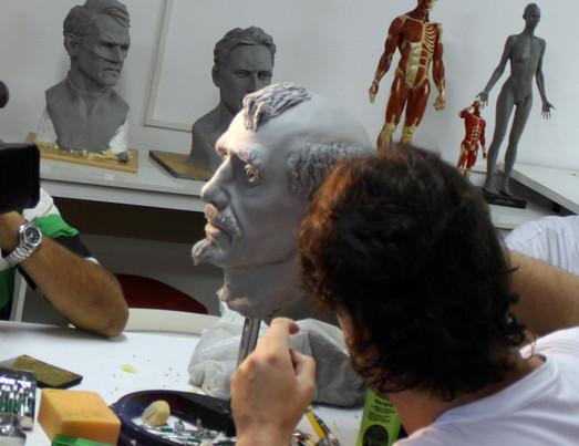 Curso de escultura do IHQ Studios Instituto de Arte