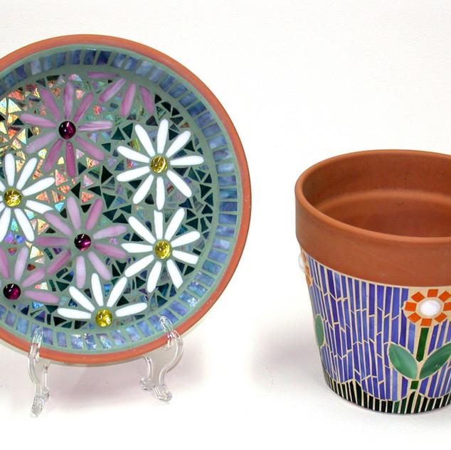 Flower pot and plate_edited.jpg
