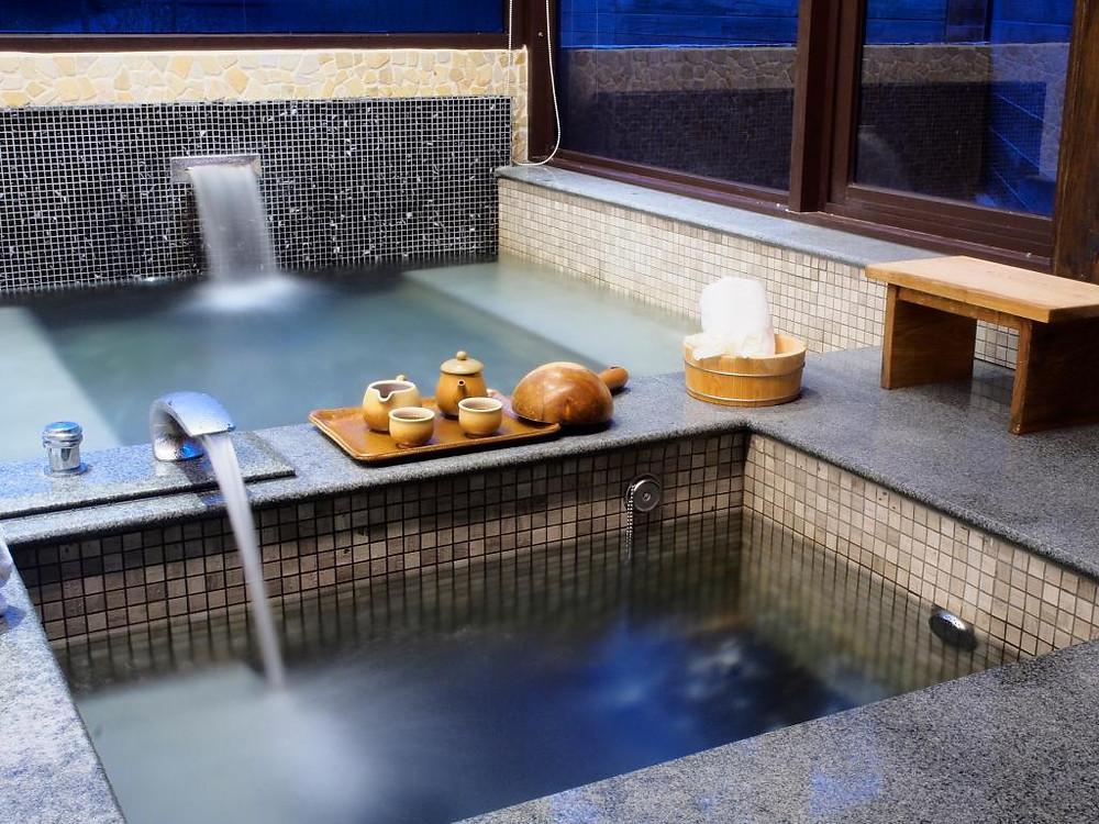 馥麗溫泉飯店僅離勺光188約200公尺,只需步行就可以前往體驗碳酸溫泉,為這趟旅程增添更多不同的感受。
