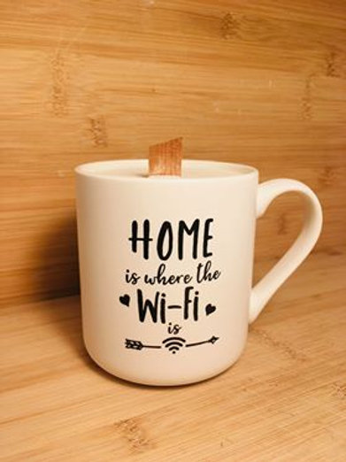 tasse moderne home is where the wifi is à l'odeur suptile d'épices de citrouille