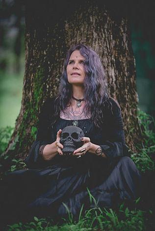 me black skull.jpg