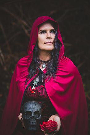 me red skull rose.jpg