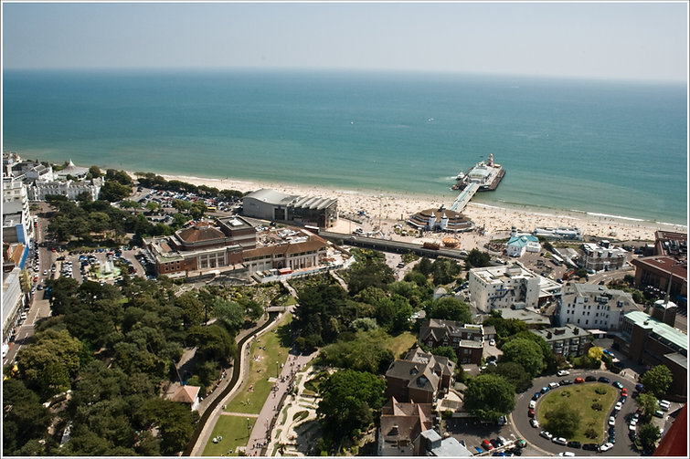 Bournemouth Town Centre - Beach.jpg
