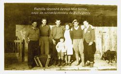 Famille_GRENARD_&_accordéoniste.png